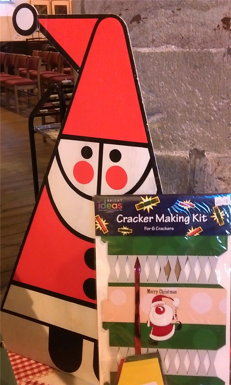 Charity christmas card shop at st marys church and tower cafe brecon making your own christmas crackers then we have kits for sale why not visit the shop or take a rest from a busy day and drop in for coffee and cake or solutioingenieria Image collections